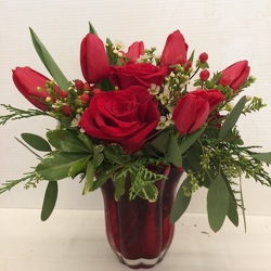 Christmas Kisses from Roses and More Florist in Dallas, TX